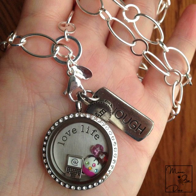 Tell your summertime story in a Living Locket® with our Summer ... | 640x640