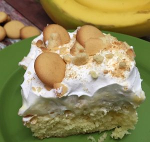 Banana Pudding Cake recipe {#giveaway $100 gift card & more} #ad #SummerDessertWeek