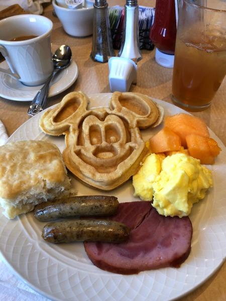Wyndham Garden LBV lakeview restaurant character breakfast