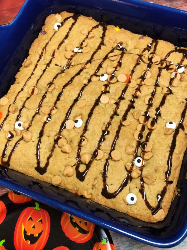 Reeses halloween cookie bars halloweentreatsweek