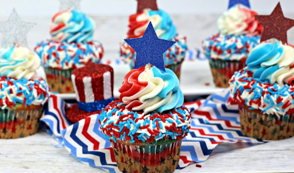 red white and blue cupcakes 4th of July